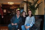 Wieder einmal hungrig in der Hotellobby: Fredy Aufranc, Brigitte Saar und Mandy Le Boutillier.