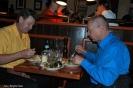 Bo Jerndell und Claes-Göran Wetterholm. Letzterer musste vor der Bestellung versprechen, sich nicht in der Küche zu beschweren, falls die Pasta Pesto nicht wie bei seinem Lieblingsitaliener schmeckt.
