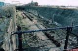 Blick in das leere Dock - für Titanicer ein Industriedenkmal erster Güte. Hier passte sie genau rein, also war sie genau so gross.