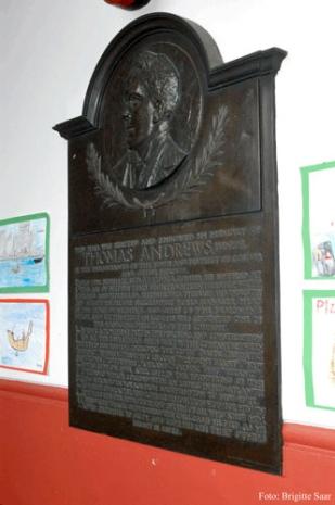 Gedenktafel im Obergeschoss der Memorial Hall.