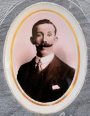 Das emaillierte Foto von Narciso Bazzi - auch nach über 100 Jahren in bestem Zustand.