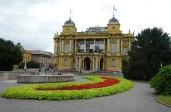 Das kroatische Nationaltheater von 1895 ähnelt dem Opernhaus von Zürich - beide stammen vom selben Architekturbüro.