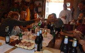 Deftige Brotzeit im Restaurant von Titanic 100-Mitglied Stjepan Dasovic.