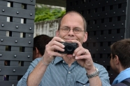 Immer Schussbereit: Henning Pfeifer mit Kamera